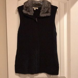 Black sweater vest with faux fur collar